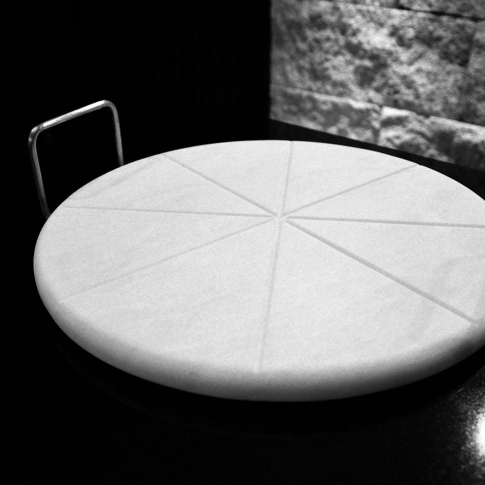 Pastryboard Carrara marble by Maami Home